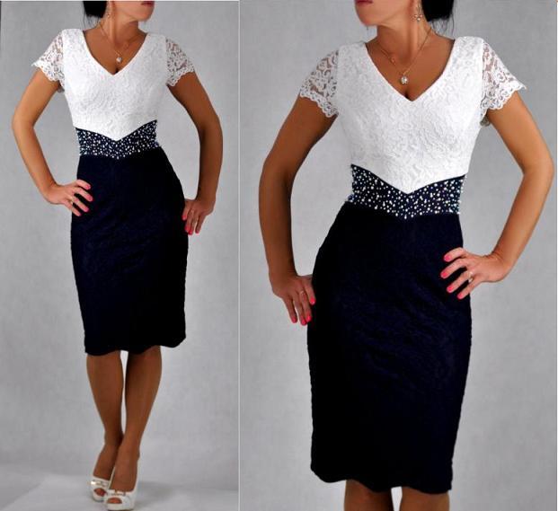 Sklep internetowy Tono to świat ekskluzywnej bielizny, sukienek, bluzek i kombinezonów, które pokochały kobiety o figurze plus size. Prezentowane ubrania w dużych rozmiarach przekonują swoim modnym designem big size, który doda świeżości każdej stylizacji.