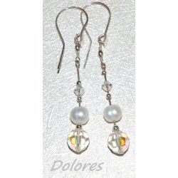 Srebrne kolczyki z perłą słodkowodną i kryształkami Swarovskiego Na rękę