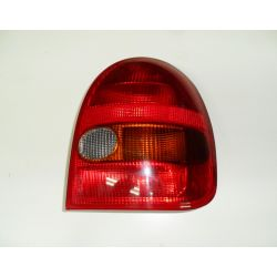 Lampa prawa tylna 3 drzwi Opel Corsa B 93-00r.