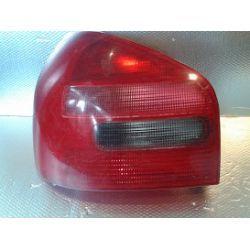 Audi A3 lampa lewa tylna kompletna z wkładem klosz z drobn.pęknięciami