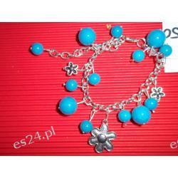 Bransoletka kulki niebieskie z przywieszkami kwiatkami