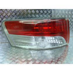 Toyota Avensis T27 lewa lampa tył Lampy tylne