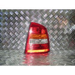Opel Astra II prawa lampa tył sedan