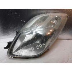 Toyota Yaris II lampa przednia lewa