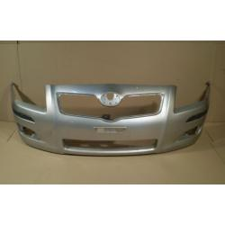 Zderzak przedni Toyota Avensis 2007-...