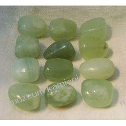Jadeit - oszlifowany minerał Skamieliny, minerały i muszle