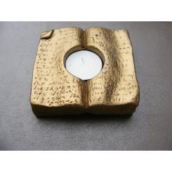 Księga -świecznik