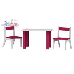Stolik z dwoma krzesełkami...