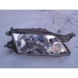 Reflektor prawy Mazda Premacy 1999-2004