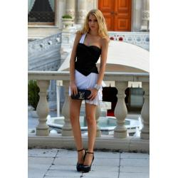 Koktajlowa mini drapowana sukienka BEBE na jedno ramię