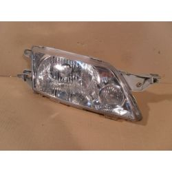 Reflektor prawy Mazda Premacy 2002-