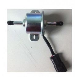 pompa paliwa 12 volt - Kubota  z silnikami Z482 i D722  68371-51211... Maszyny budowlane