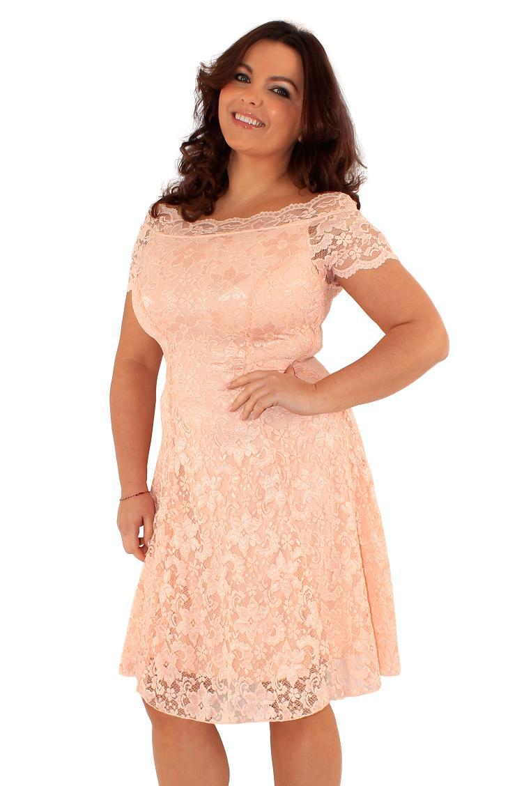 848edd2ba221ef Śliczna różowa sukienka z koronki 44 na Bazarek.pl