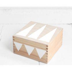 pudełko 17x17 - białe trójkąty
