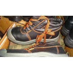 buty robocze olejoodporne