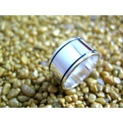 Obrączka z litego srebra