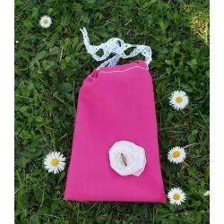 różowy woreczek na śliczności