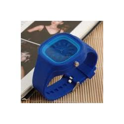 Zegarek gumowy ze wzorem kwatu na tarczy granatowy