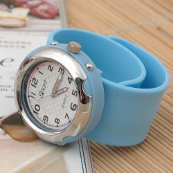 Zegarek slap zaciskowy błękitny