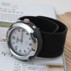 Zegarek slap zaciskowy czarny