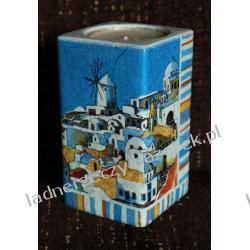 Ceramiczny świecznik w greckim stylu.