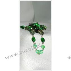 Prosty naszyjnik w barwach zieleni z dodatkami posrebrzanymi