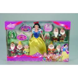 Lalka - Królewna Śnieżka w towarzystwie siedmiu krasnoldków