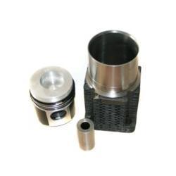 ZESTAW NAPRAWCZY SILNIKA DEUTZ FL-913 (102mm)3P kom 58mm TURBO,FL914, FL913 T sworz 35mm