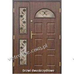 Drzwi dwuskrzydłowe z witrażami