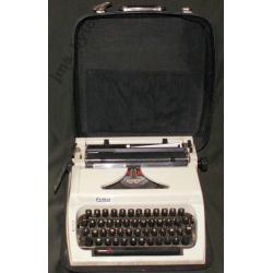 ERIKA NRD-wska maszyna do pisania