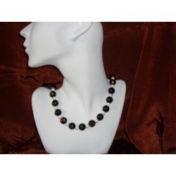 N - 00003 Naszyjnik z czarnych i białych plastikowych koralików Naszyjniki