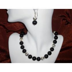 N-00017 Naszyjnik z perełek szklanych, czarnych Naszyjniki