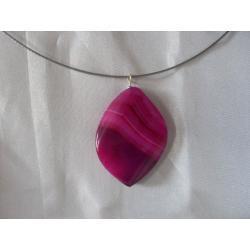 N-00022 Naszyjnik z agatu w kolorze fuksji Naszyjniki