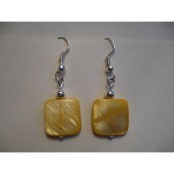K - 000241 Kolczyki z masą perłową Kolczyki