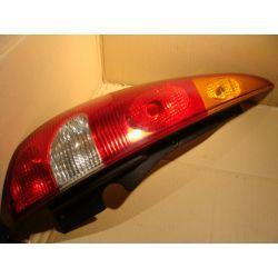 lewa lampa tył Nissan Almera Tino
