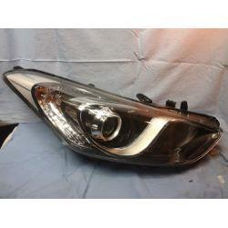 Hyundai i30 przednia prawa lampa oryginał-soczewka, klosz ładny