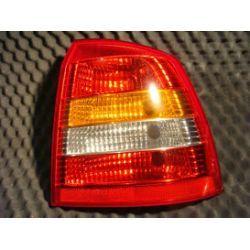 Opel Astra II wersja HB lampa tylna prawa cała