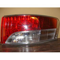 Toyota Avensis kombi lampa tylna prawa