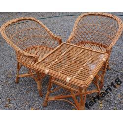 Fotele i stół z szybą meble ogrodowe REWELACJA