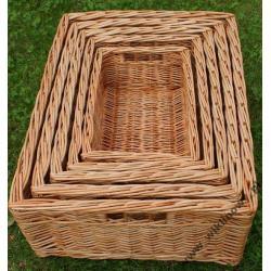 Bardzo starannie wykonany zestaw szuflad z wikliny