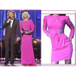 różowa, fuksja sukienka jak Magda Mołek, w stylu dynastii bufki cyrkonie rozm. S