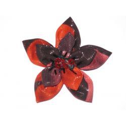 kwiatek własnej roboty broszka rękodzieło róża