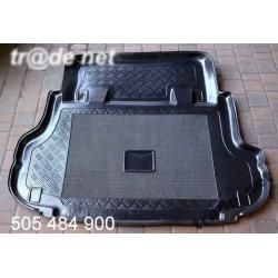 FORD MAVERICK od 1993 do 2000 5 drzwi  mata do bagażnika