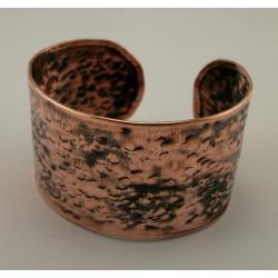 Miedziana bransoleta o wyjątkowej urodzie