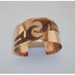Miedziana bransoleta dla miłośniczek tatuaży