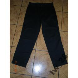 Czarne spodnie  Mc Gordon 80/104