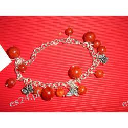 Bransoletka koral czerwony z motylkami