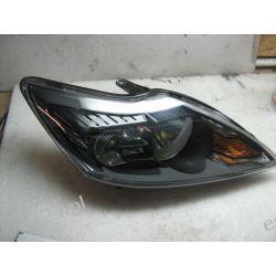 Ford Focus II lift prawa czarna lampa przód