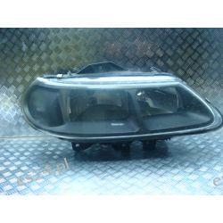 Renault Laguna I lift czarna prawa lampa przód przednia