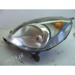 Toyota Yaris Verso lewa lampa przód